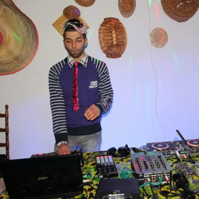 DJ BLACK WHITE